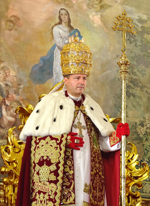 """<a href=""""el-papa-pedro-iii-es/"""" title=""""Su Santidad El Papa Pedro III"""">Su Santidad El Papa Pedro III, <br><i> De Glória Ecclésiæ </i><br><br> Felizmente Reinando<br><br><br> Ver más</a>"""